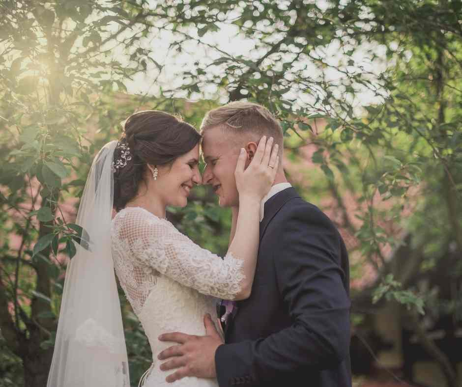 3 important tips for writing your wedding vow, personal vow